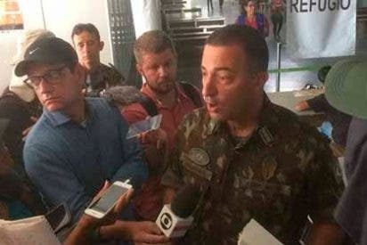Dos militares venezolanos abandonan las filas chavistas y se refugian en Brasil