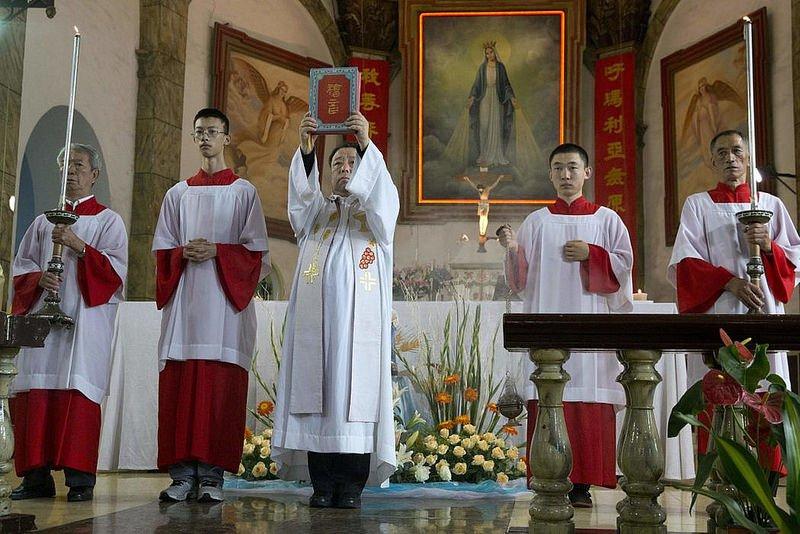 El Papa asigna tareas pastorales diocesanas a los obispos chinos readmitidos tras el acuerdo con Pekín