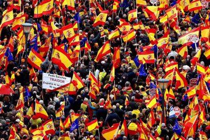 Cuando son 'rojos', en la plaza caben dos millones; si los manifestantes llevan banderas de España, solo caben 45.000