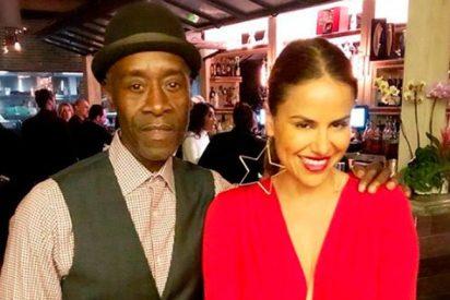 Mónica Hoyos se 'cuela' en la fiesta que ofreció Elton John tras los Oscar