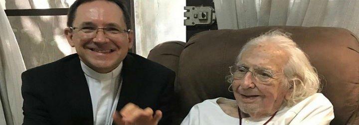 Ernesto Cardenal: Poeta, educador, político al servicio de su pueblo