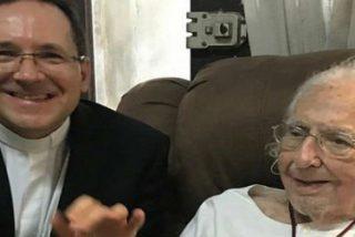 """Ernesto Cardenal agradece """"amorosamente"""" al Papa su indulto"""