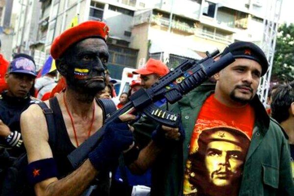 Vídeo: Ridículo de los milicianos venezolanos al simular una guerra imaginaria contra EEUU
