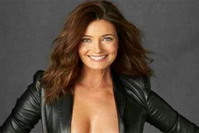 'Sports Illustrated': Paulina Porizkov la monta exhibiendo cuerpazo a sus 53 años