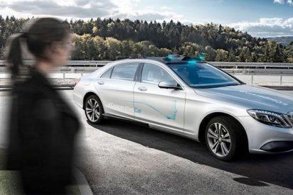 Esta es la propuesta de Ford para que los coches autónomos se comuniquen con los peatones