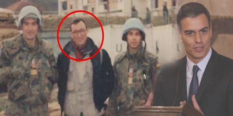 Pérez-Reverte deja en ridículo a Pedro Sánchez con una sola palabra por la guerra de Bosnia