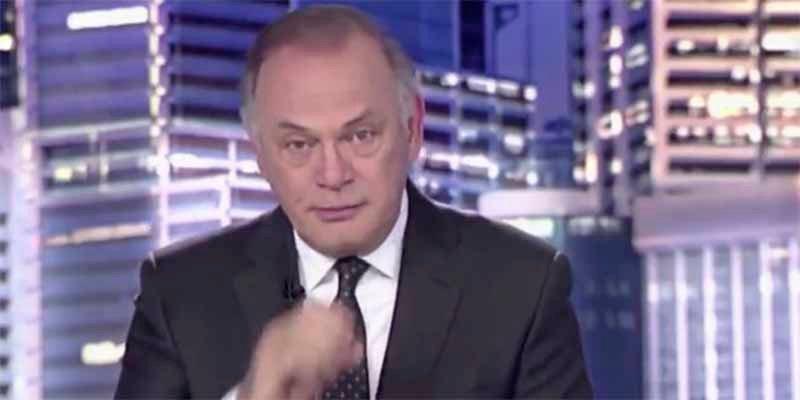 El traidor gargajo en pleno 'Informativos Telecinco' que dejó a Piqueras con esta cara