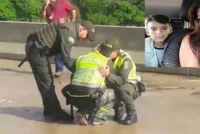 El desesperado llanto de los policías que no pudieron salvar a la madre que se suicidó con su hijo agobiada por un crédito 'gota-gota'