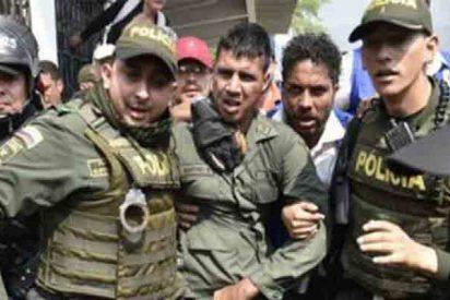 Más de 60 militares desertan en una violenta jornada en que los esbirros de Maduro asesinan a 14 personas