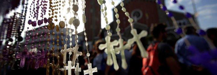 Cientos de fieles cierran la JMJ con una procesión en honor a San Juan Bosco
