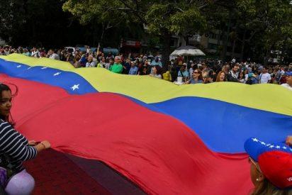 Los venezolanos regresan a las calles para exigir el acceso de la ayuda humanitaria y salida de Maduro