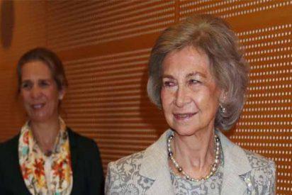 Lucha contra el Alzheimer: La Reina Sofía reaparece en un acto público y lo hace al lado de la Infanta Elena
