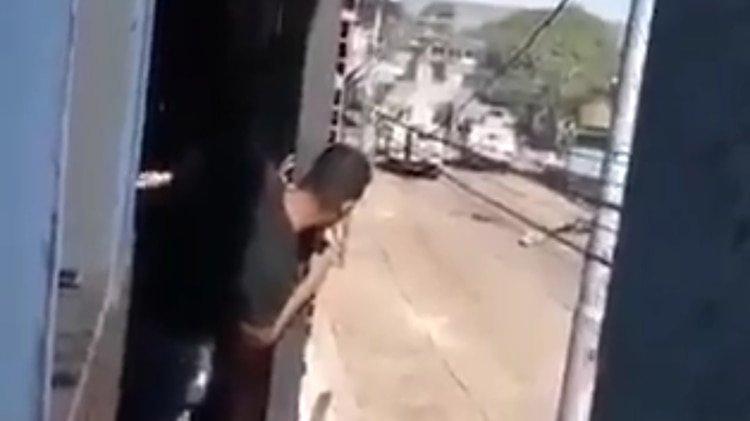 Vídeo: Guardia Nacional chavista ejecuta, sin mediar palabra, al chofer de un camión de ayuda humanitaria