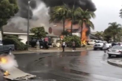 Cinco muertos al caerse una avioneta sobre un barrio residencial en EE.UU.