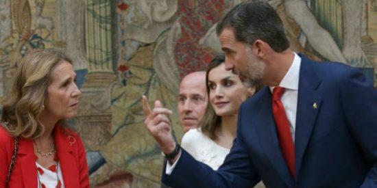 """La infanta Elena grita a Doña Letizia """"pobre y plebeya"""" y la Casa Real salta por los aires"""