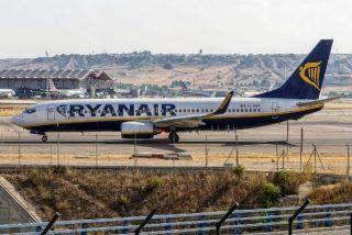 La plantilla de Ryanair amenaza con huelga ya que la empresa plantea cerrar tres bases en España