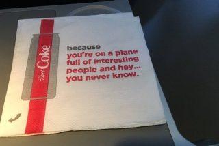 Ligar al estilo 'old school', la campaña de Delta y Coca Cola que indignó a los viajeros