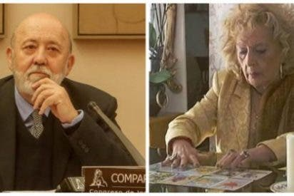 Sánchez no se traga los vaticinios de la 'bruja Lola Tezanos' y permanecerá atornillado en Moncloa hasta 2020
