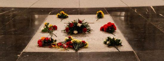 El Gobierno permitirá a la familia presenciar la exhumación y el traslado de Franco