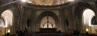 Moncloa accede a que se celebre una misa en el momento de la inhumación de Franco