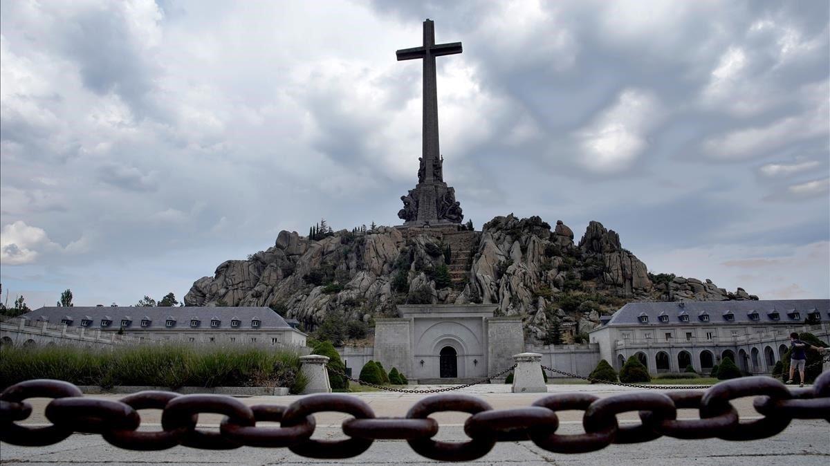 El Gobierno Sánchez bloquea la subvención al Valle de los Caídos y en la red se organiza un 'crowdfunding' para ayudar a los monjes