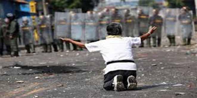 La cruda imágen de un hombre herido a perdigones por el régimen chavista