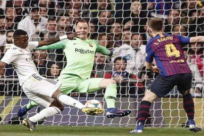 El Real Madrid se hace el 'harakiri' frente a un Barça inferior en todo, menos en el área