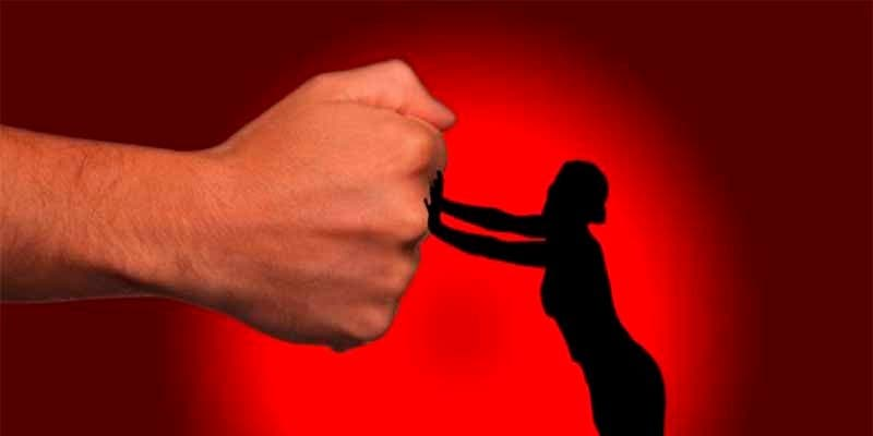 IU pide en el Congreso que se iguale el reconocimiento para el personal doméstico con otros países