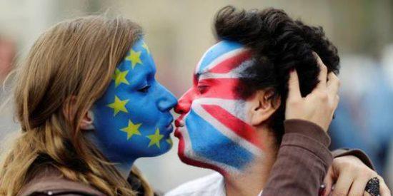 La Unión Europea ofrece un año de prórroga a Londres para que cambie su plan para el Brexit
