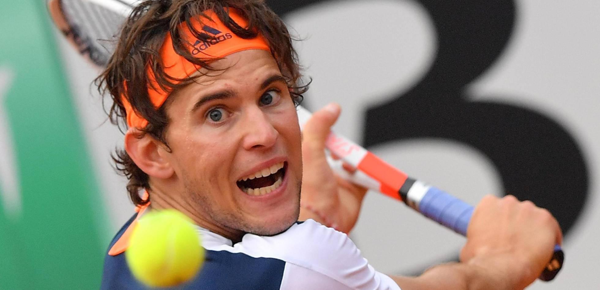 El austríaco Thiem remonta al maestro Federer y logra el mayor título de su carrera