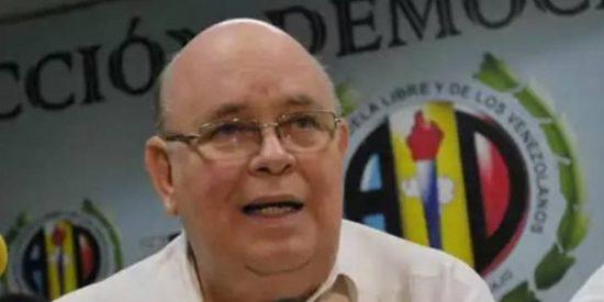 Antonio Ecarri le come terreno a Mario Isea: El embajador de Guaidó atiende a los pensionados venezolanos