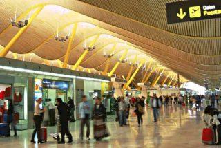 """Coronavirus: Con la nueva cepa """"fuera de control"""" España no cierra el tráfico aéreo con Reino Unido"""