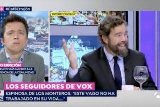 El espectacular careto que se le queda a Errejón con el aviso que le traslada Espinosa (VOX)
