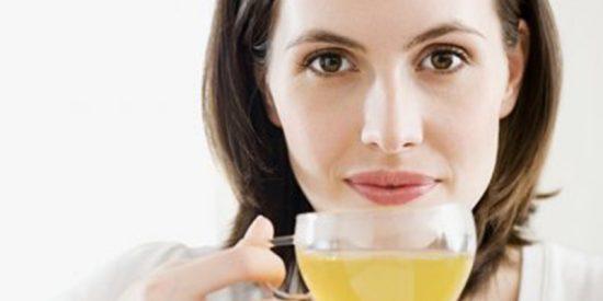 ¿Sabías que beber té mejora la salud del cerebro?