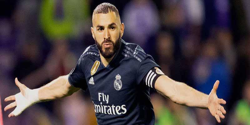 El Real Madrid resucita a tiempo, golea al Valladolid y demuestra hay madera