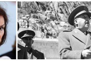 Carmen Calvo escarbando, siniestra, en la tumba de Franco, encarna los peores fantasmas del pasado de España