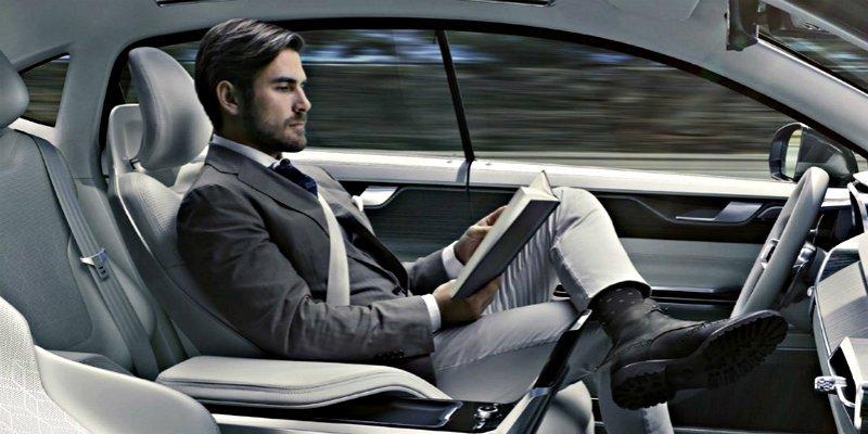 ¿Sabes por qué los consumidores aún no confían en el coche autónomo y eléctrico?