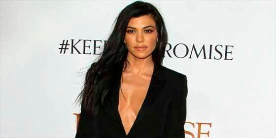 El ardiente desnudo integral de Kourtney Kardashian y que no es por una causa benéfica