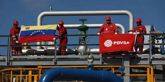Refinerías de EEUU sustituyen el crudo venezolano por barriles de Shell y BP