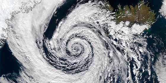 Estados Unidos en alerta máxima ante la llegada inminente del ciclón bomba
