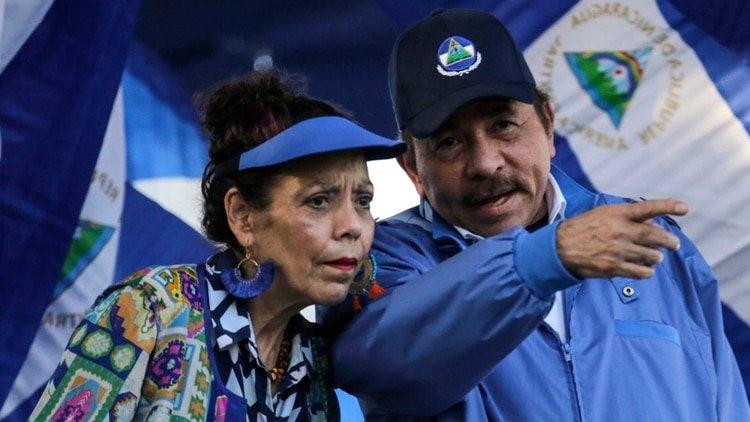 La dictadura de Nicaragua promete diálogo, pero reprime a los opositores y se queda cada vez más sola