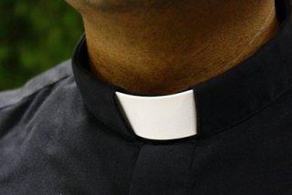 Un año de cárcel por chantajear a un sacerdote con una denuncia por abusos