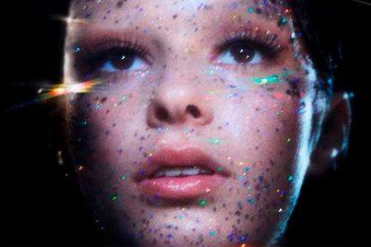 'Saving Star', así es el single debut de Dora Salvatore, hija de Bimba Bosé