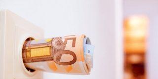 Vivienda: 17 trucos para ahorrar hasta 100 euros al mes en la factura eléctrica