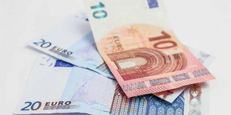 La Policía Nacional desmantela una imprenta clandestina que ganaba 7.500 € al mes haciendo billetes falsos