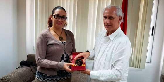 Grupo Excelencias entrega donativo para víctimas de tornado en La Habana