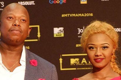 Esta famosa cantante sudafricana es agredida por su novio durante una retransmisión en directo