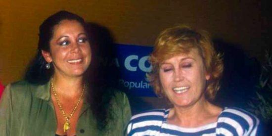 ¿Qué pecado inconfesable había detrás de la foto secreta de Isabel Pantoja con Encarna Sánchez?