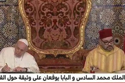 El Papa Francisco 'bendice' el Islam y no tiene una palabra en Marruecos para los cristianos perseguidos en tierras islámicas