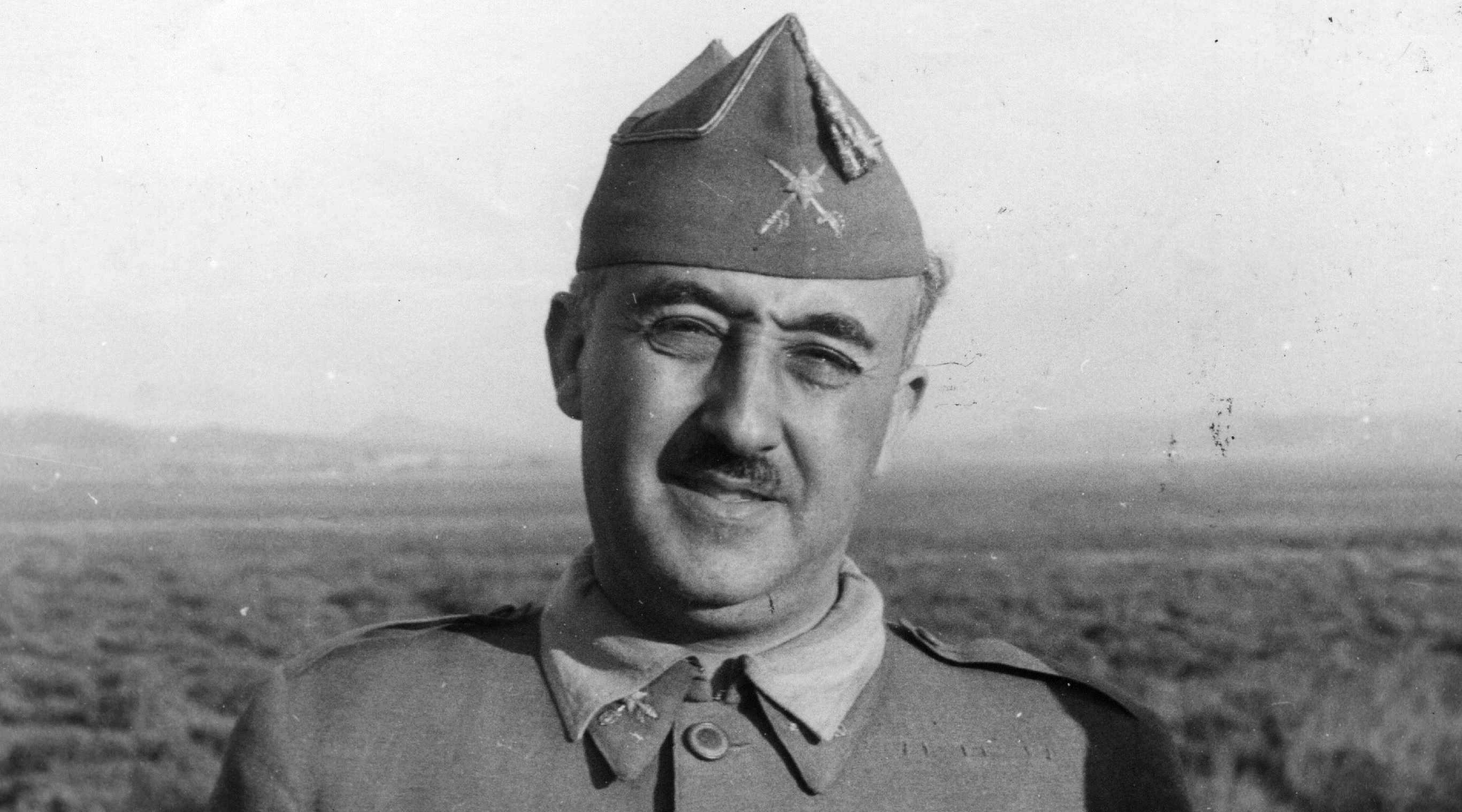 """Victor Entrialgo: """"Ultima hora, Franco está todavía muerto"""""""